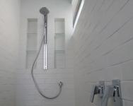 Shower-rail-&-rain-head,-seperate-mixers